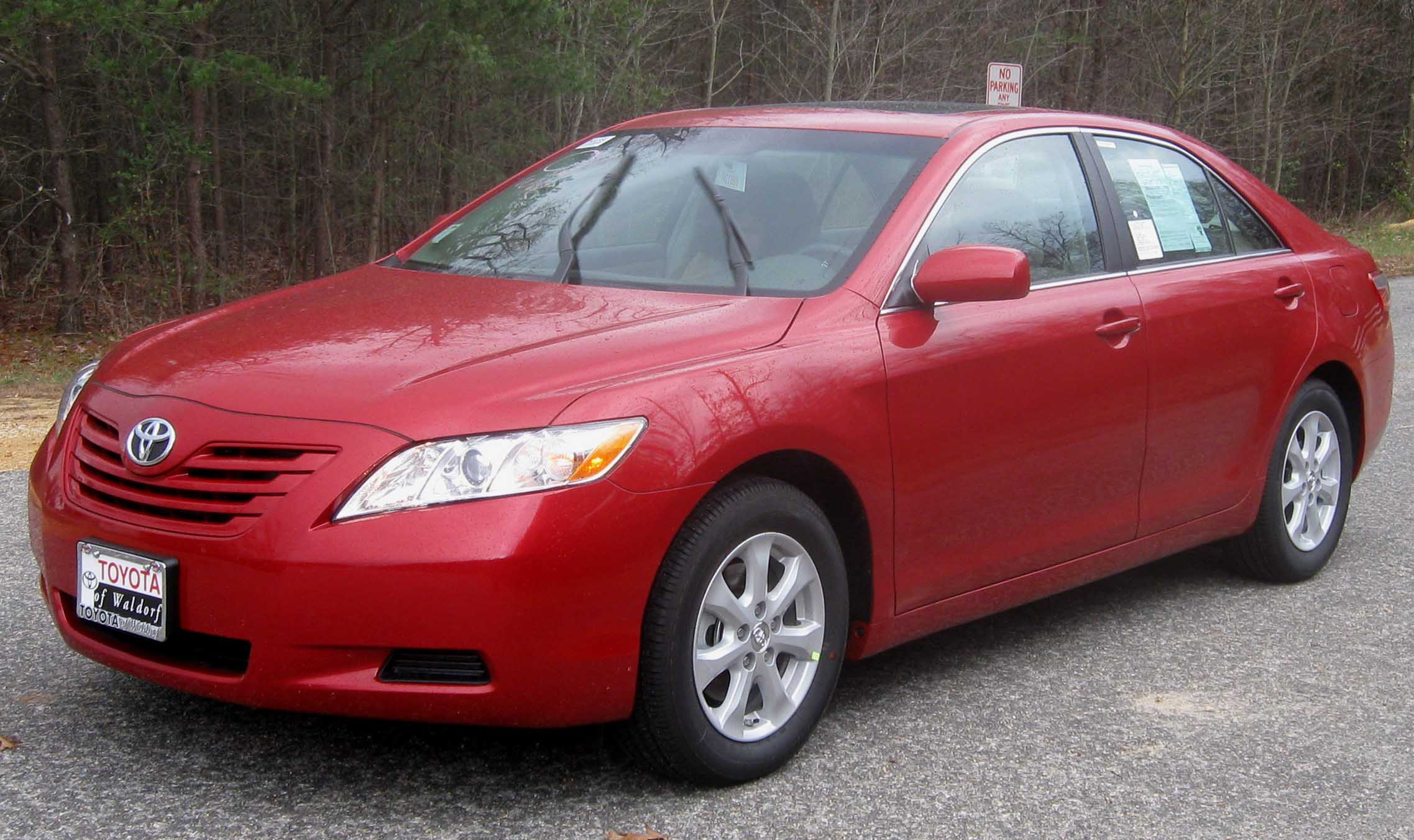 File 2009 Toyota Camry Le Jpg Wikimedia Commons
