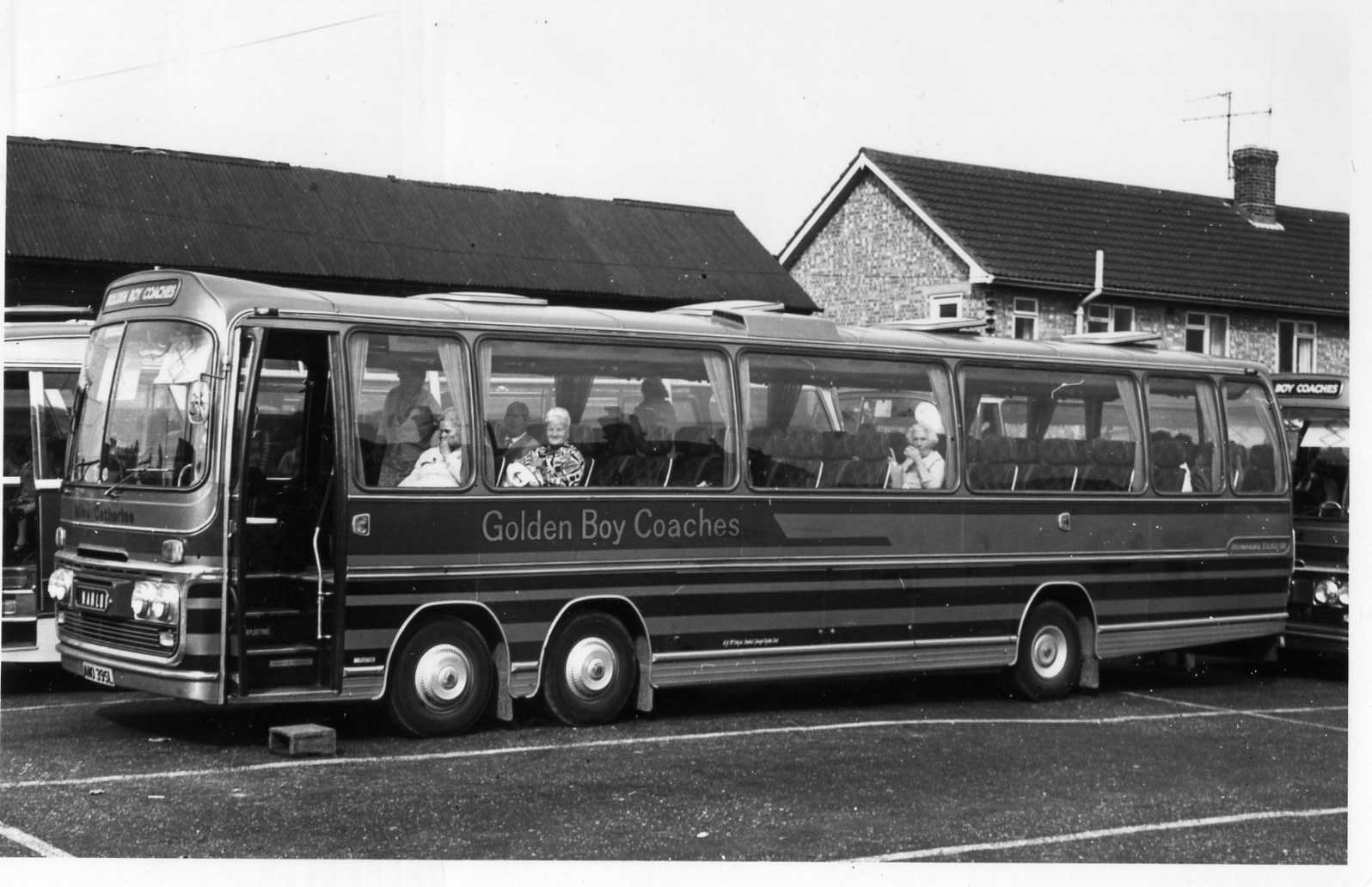 File Ano395l Golden Boy Coaches Bedford Val70 Miss