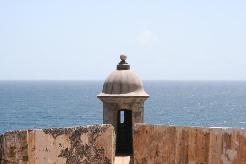 Súbor:A sentry box FortElMorro SanJuan PuertoRico.jpg