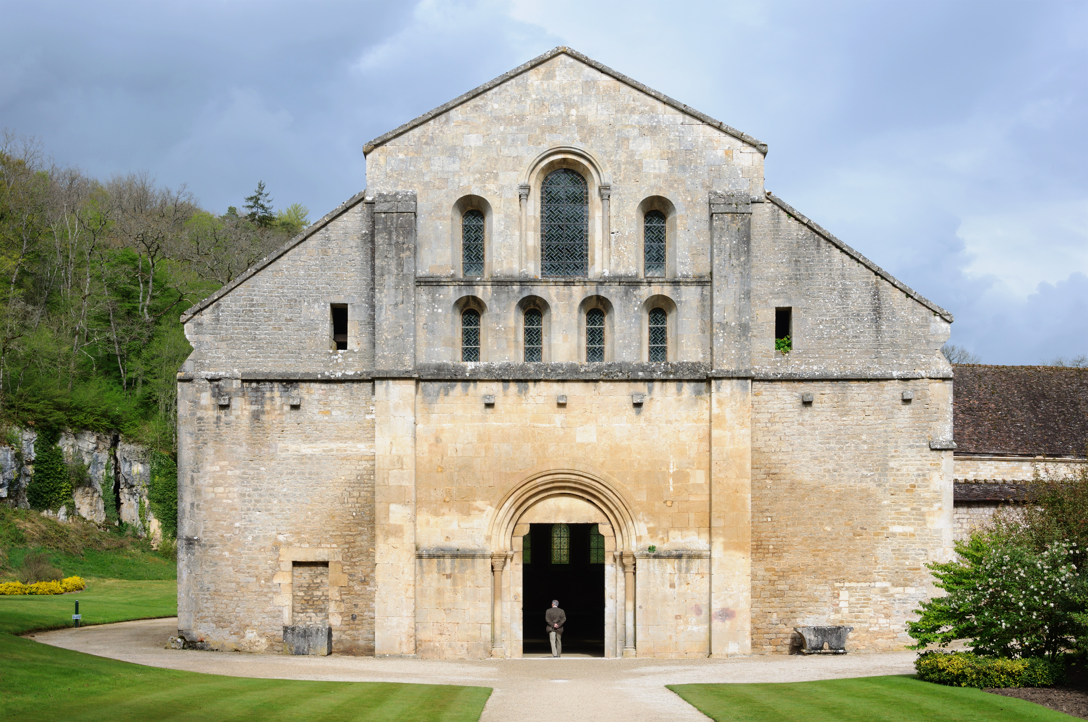 File abbaye fontenay eglise wikimedia commons - Abbaye de citeaux horaires des offices ...