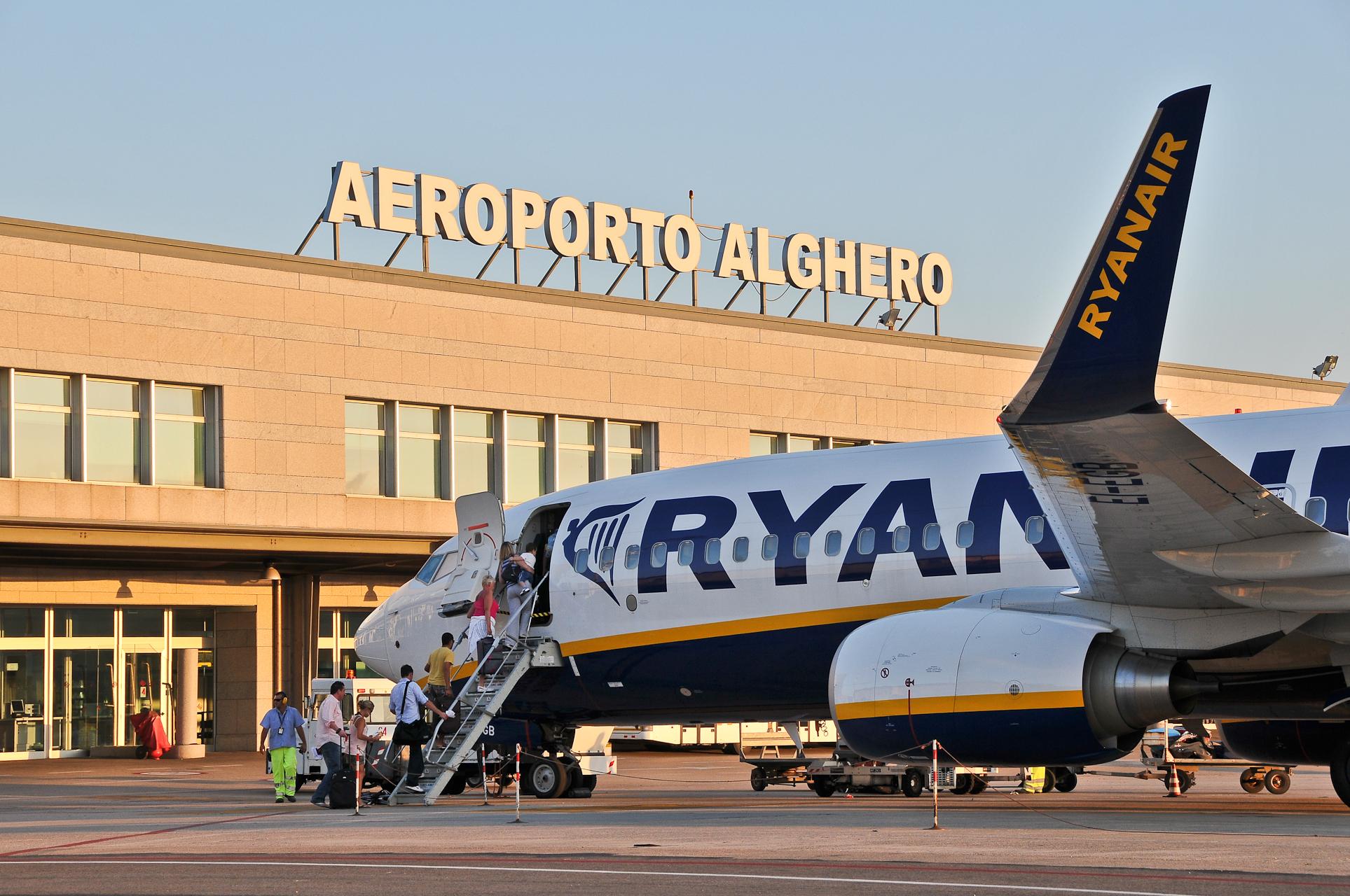 Cartina Sardegna Con Aeroporti.Aeroporto Di Alghero Fertilia Wikipedia