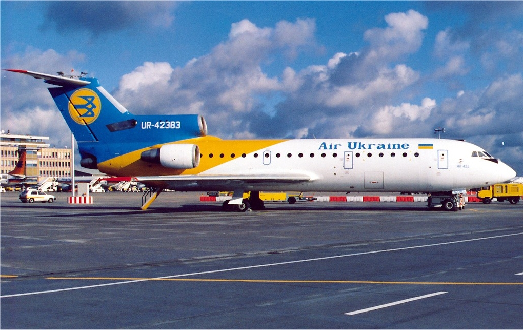 Air_Ukraine_Yakovlev_Yak-42_Maiwald.jpg
