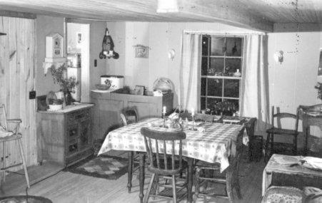 File:Alta Schrock Home In Goshen, Indiana (6841801907).jpg