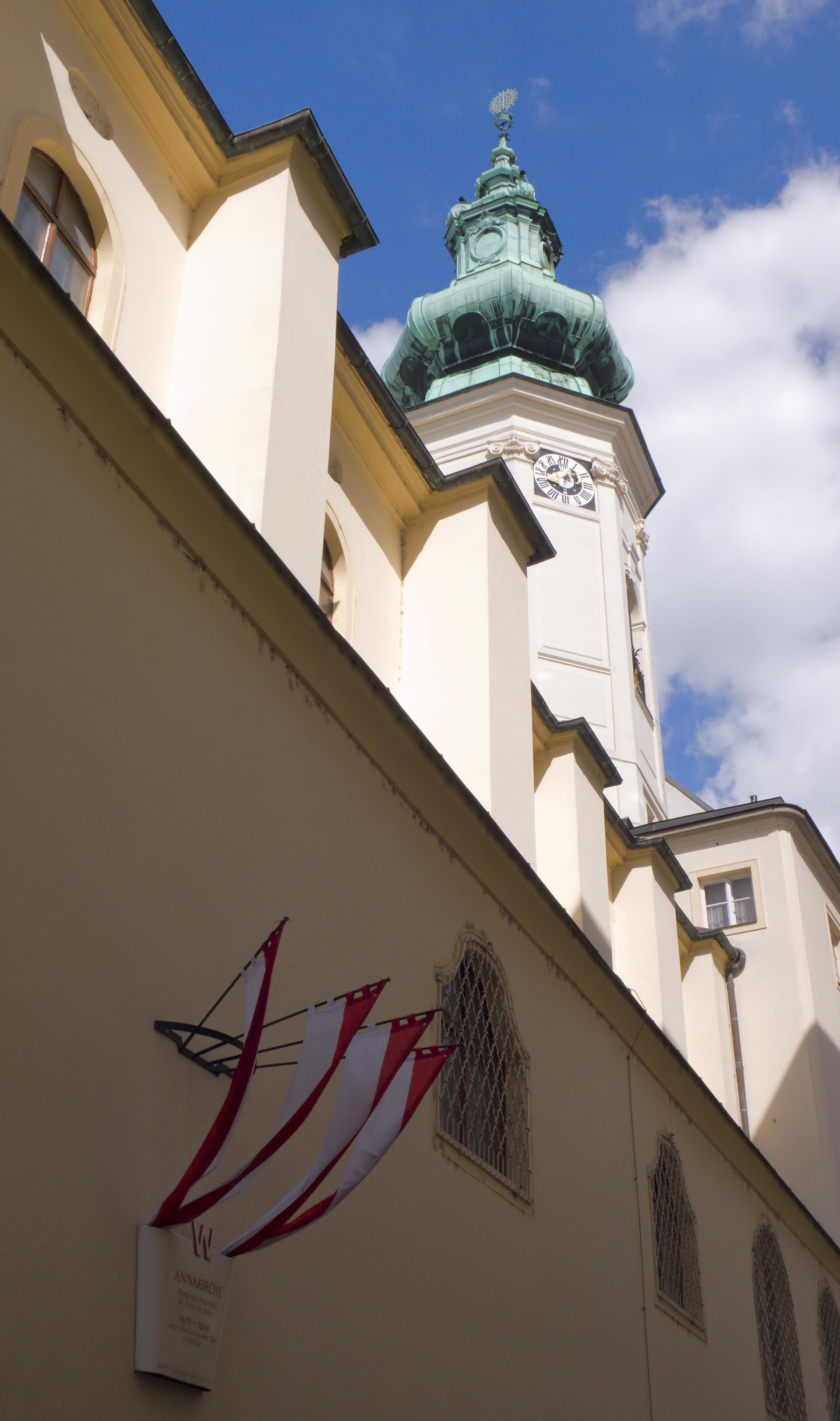 Annagasse Nr.03b Annakirche 02.jpg