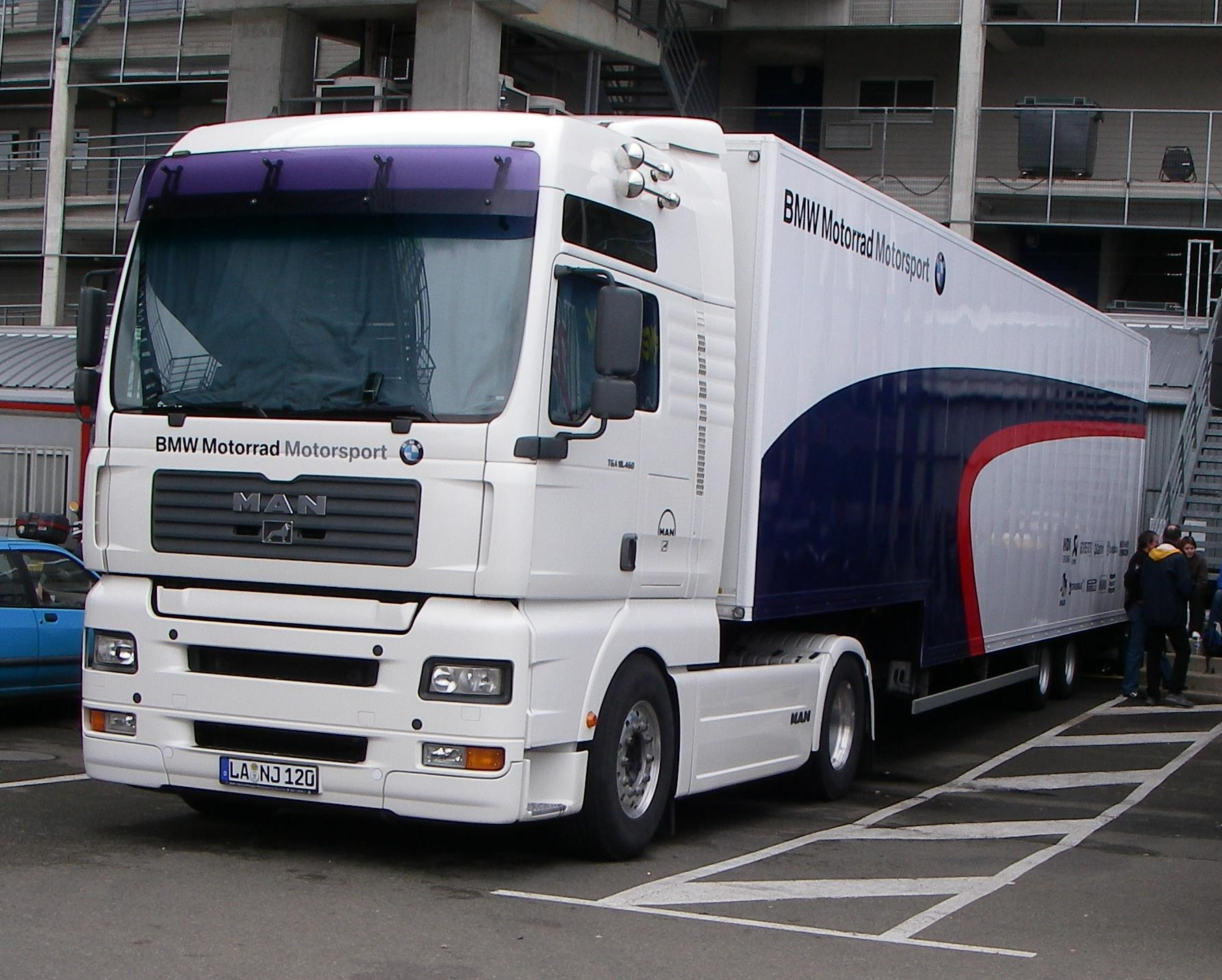 Bmw Pick Up Truck >> File:BMW Motorrad Motorsport Endurance Truck.JPG