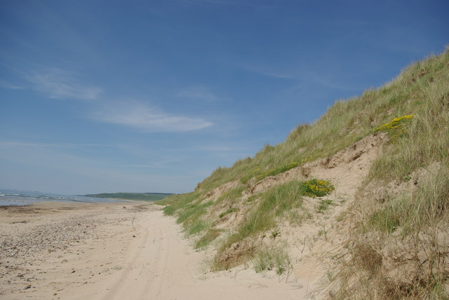 Beach and dunes at Machrihanish Bay - geograph.org.uk - 1431767