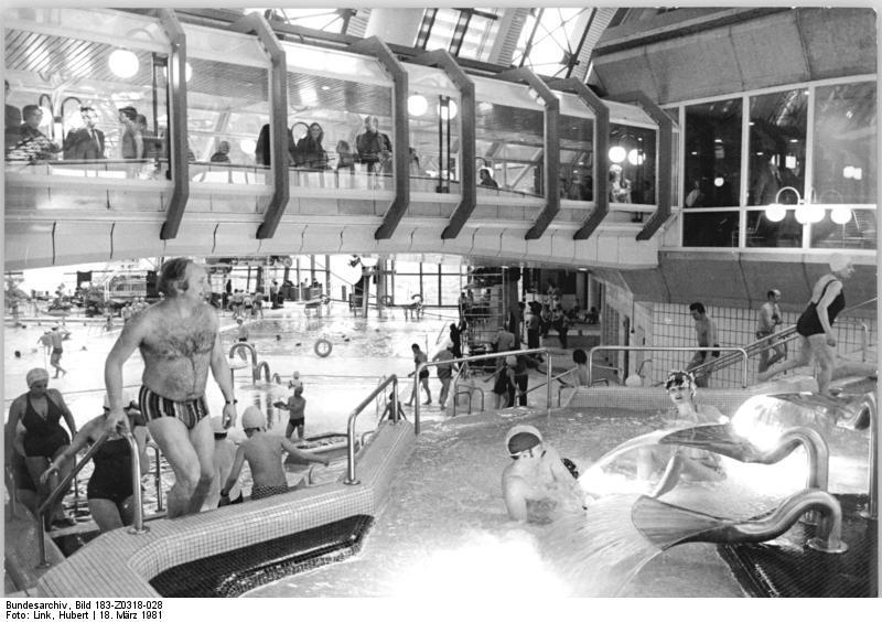 Bundesarchiv Bild 183-Z0318-028, Berlin, SEZ, Wasserkaskaden