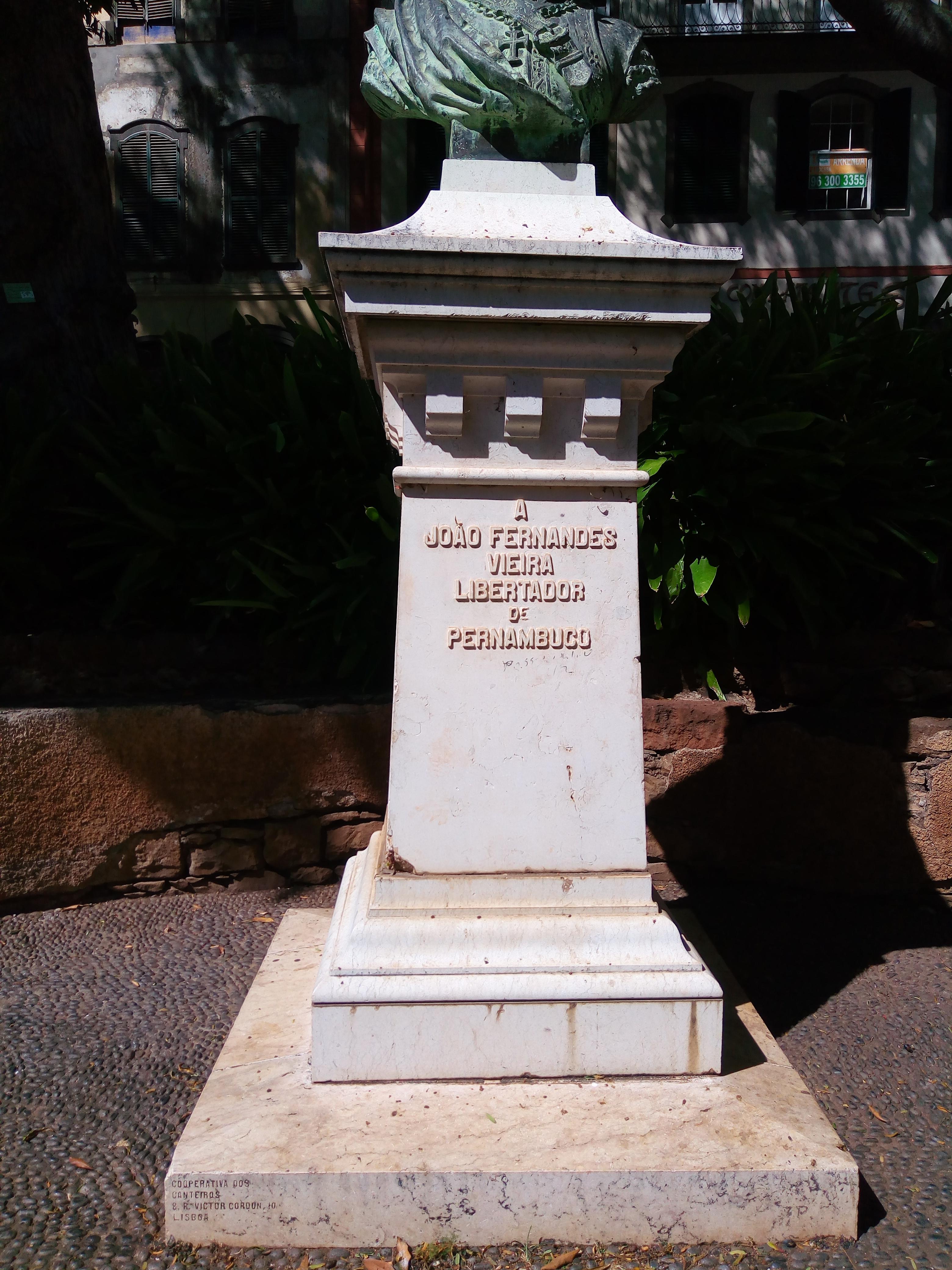 928d493f7 File Busto de João Fernandes Vieira