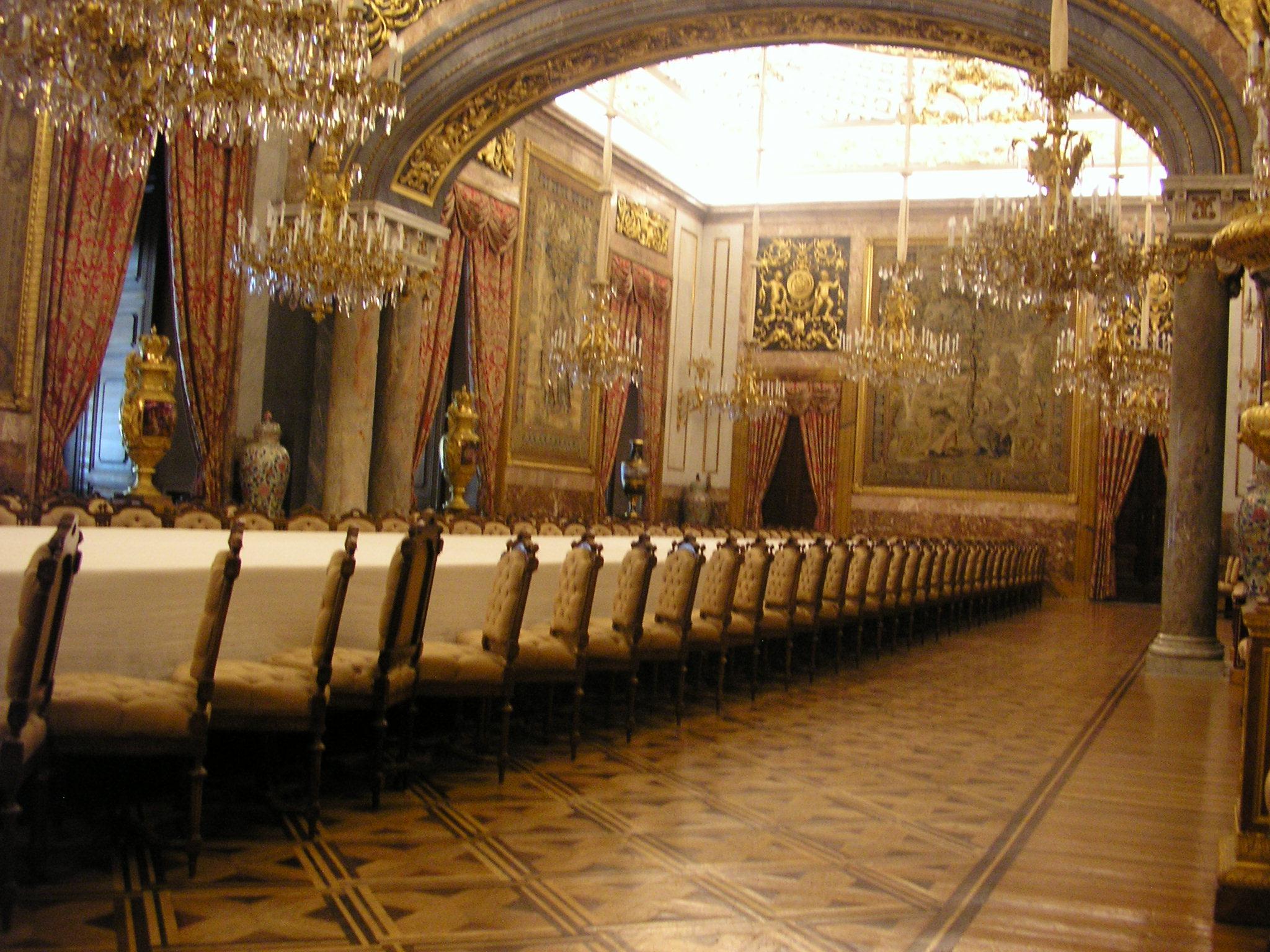 Interior Del Castillo Del Decorador Jacques Garcia