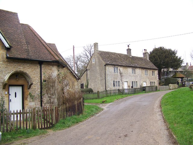 Cottages in Lullington - geograph.org.uk - 681284
