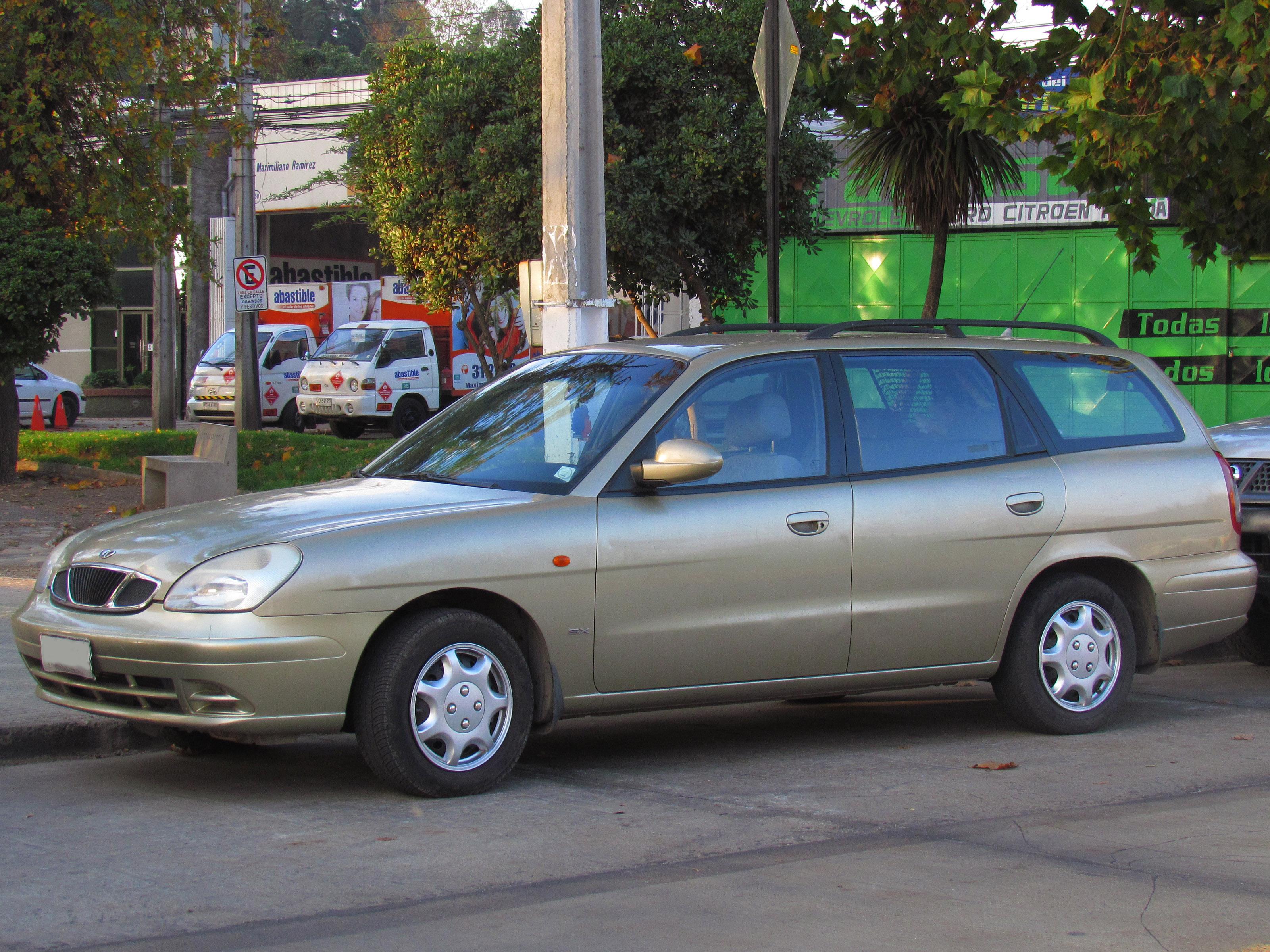 File daewoo nubira 1 6 sx wagon 2002 15077045949 jpg