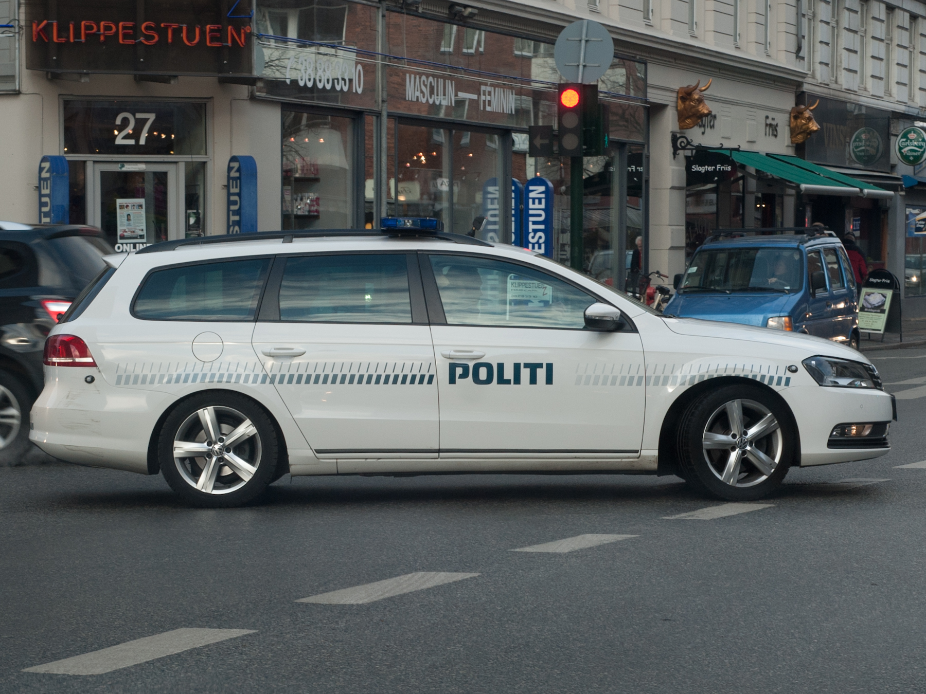 File Dansk Volkswagen Politibil Jpg Wikimedia Commons