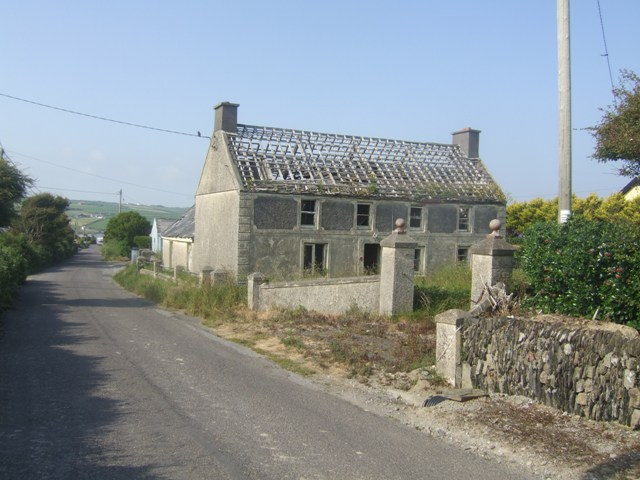 Disused farmhouse on the Old Head of Kinsale - geograph.org.uk - 1369694