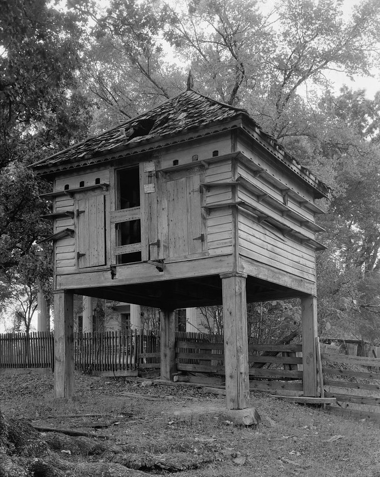 File:Dovecote on Hill Plantation near Washington, Georgia ...