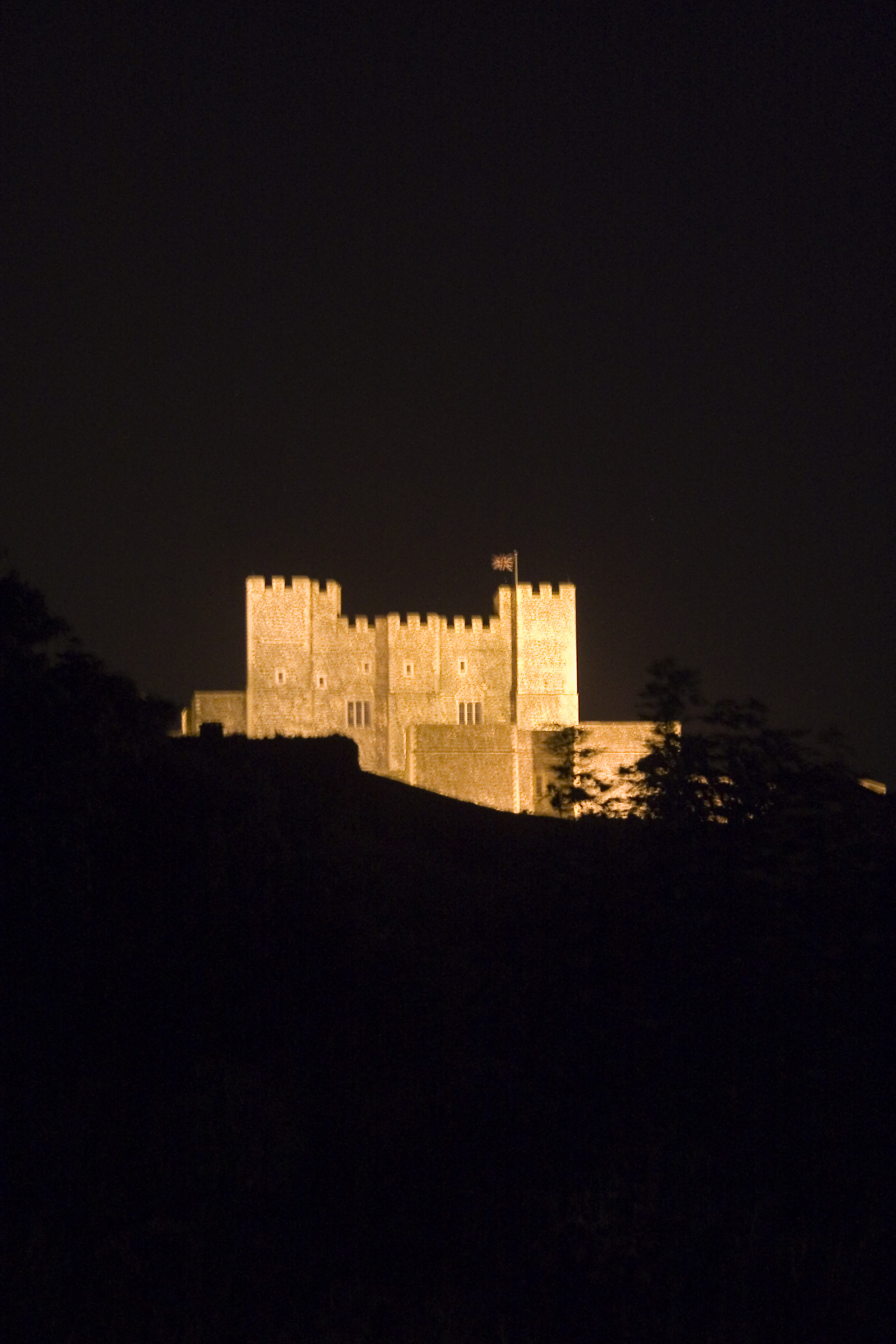 File Dover Castle At Night Jpg Wikimedia Commons