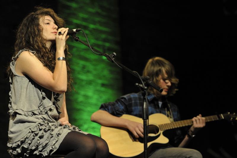 Ella and Louis TVU 2010.JPG