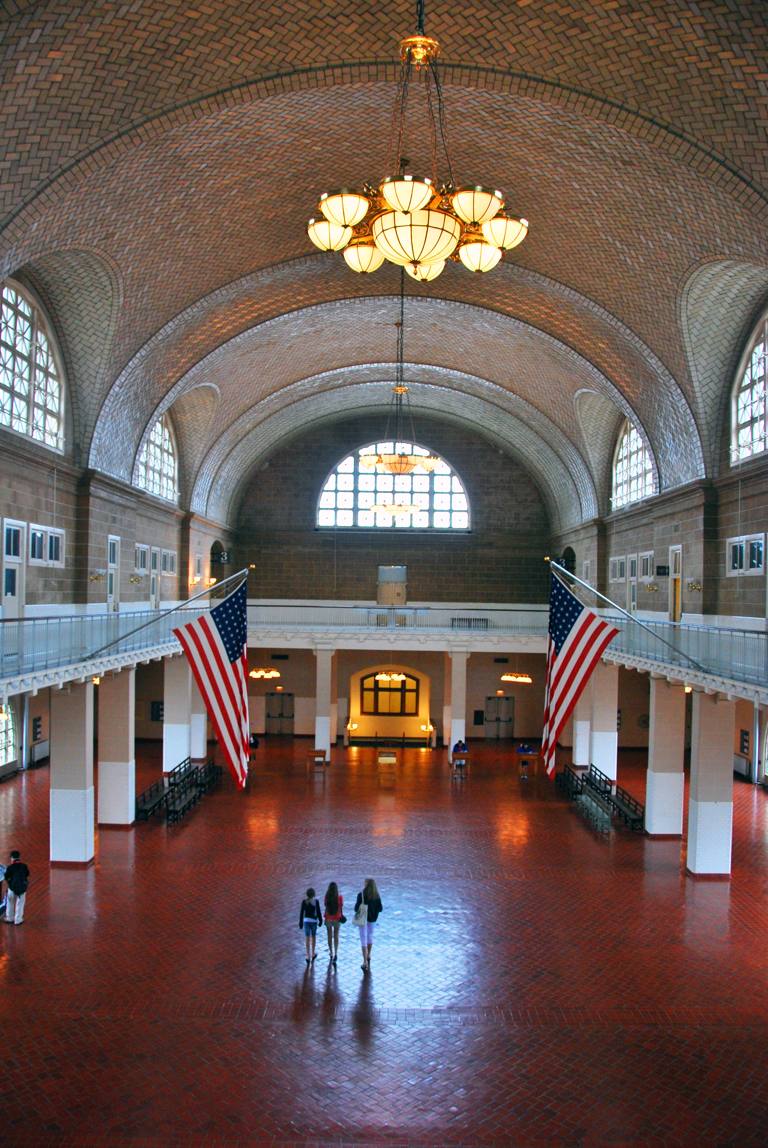 the influx of immigrants to ellis island Ellis island, in upper new york bay, was the gateway for over 12 million immigrants to the us as the united states' busiest immigrant inspection station for over 60 years from 1892 until.