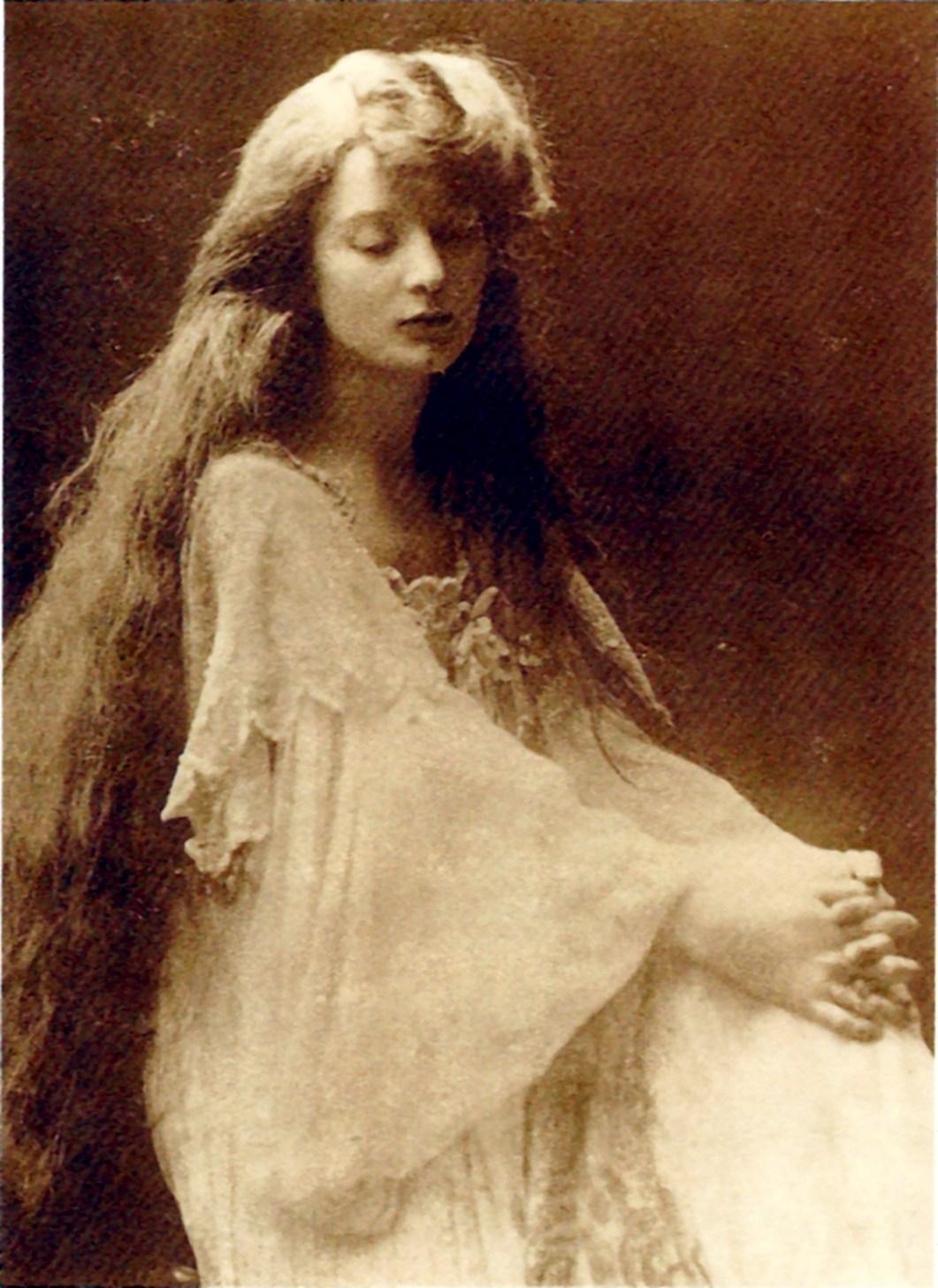 image of Eva Palmer-Sikelianos