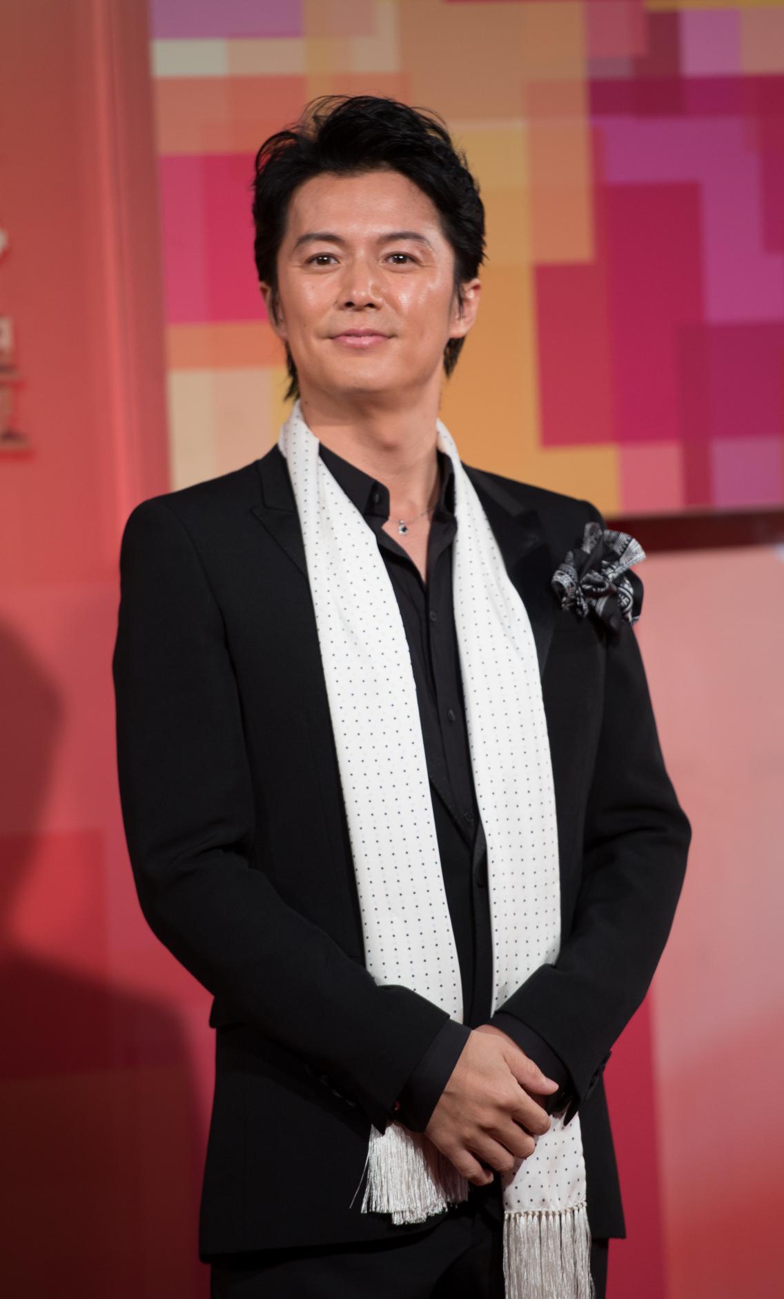 Photo de Masaharu Fukuyama avec un hauteur de 181 cm et à l'age de 49 en 2018