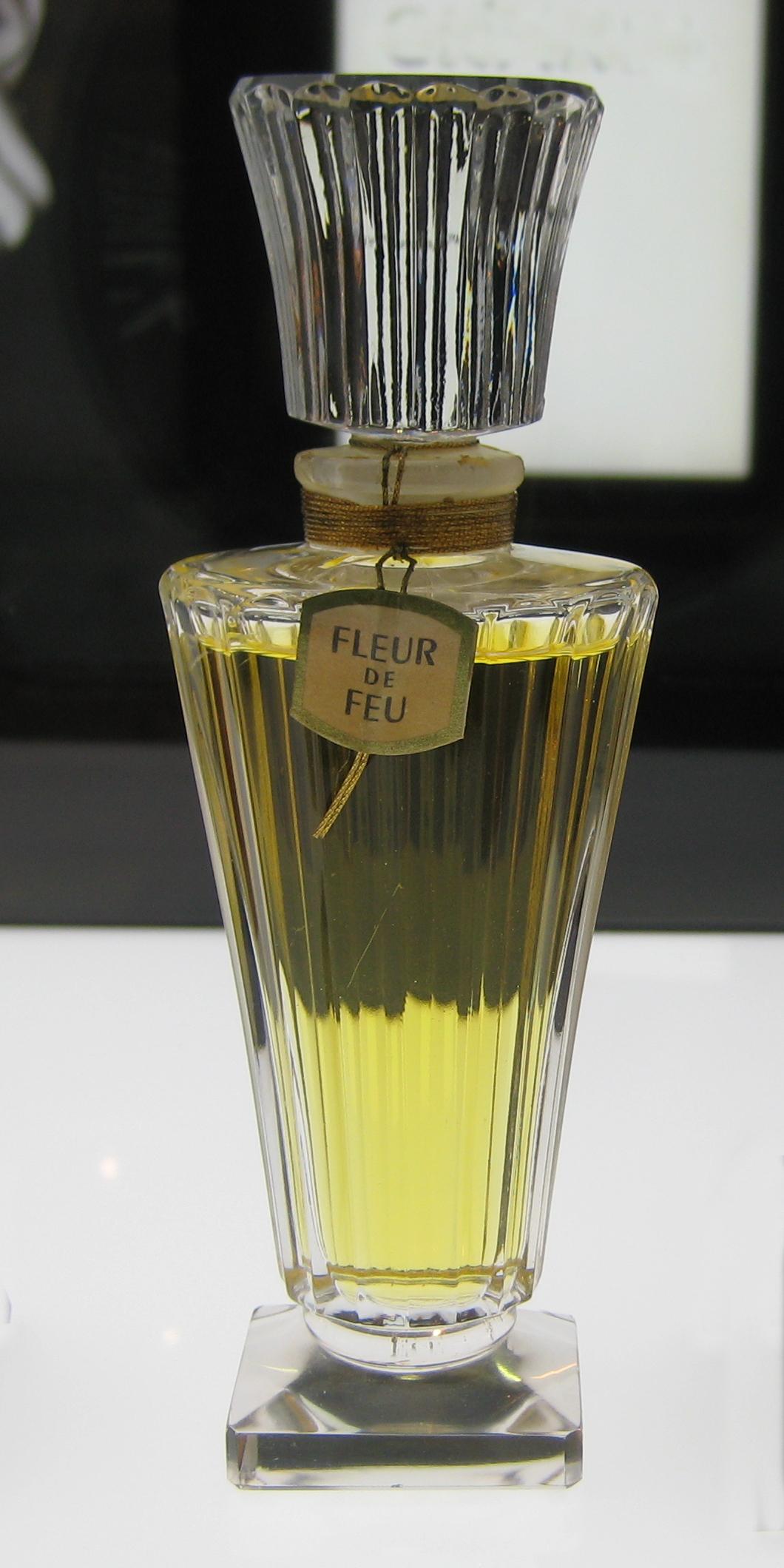 Guerlain_-_Fleur_de_Feu_%281948%29.jpg