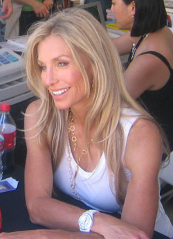 English: Heather Thomas signing books at Book ...