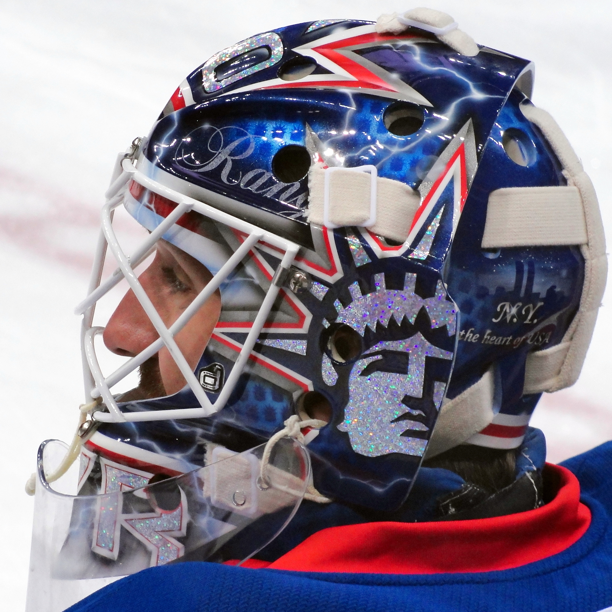 File Henrik Lundqvist Goalie Mask Jpg Wikimedia Commons