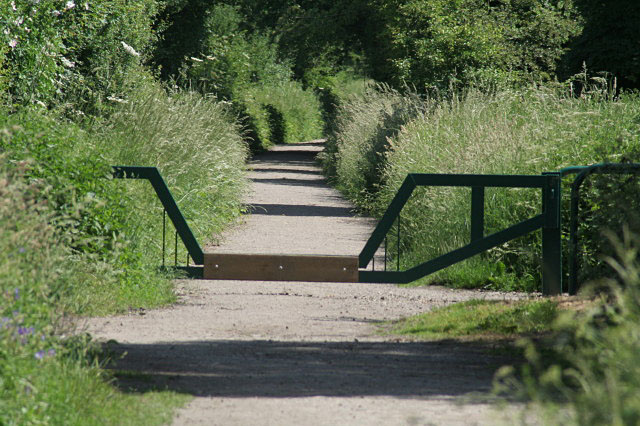 Horse stile on the Southwell Trail - geograph.org.uk - 838510