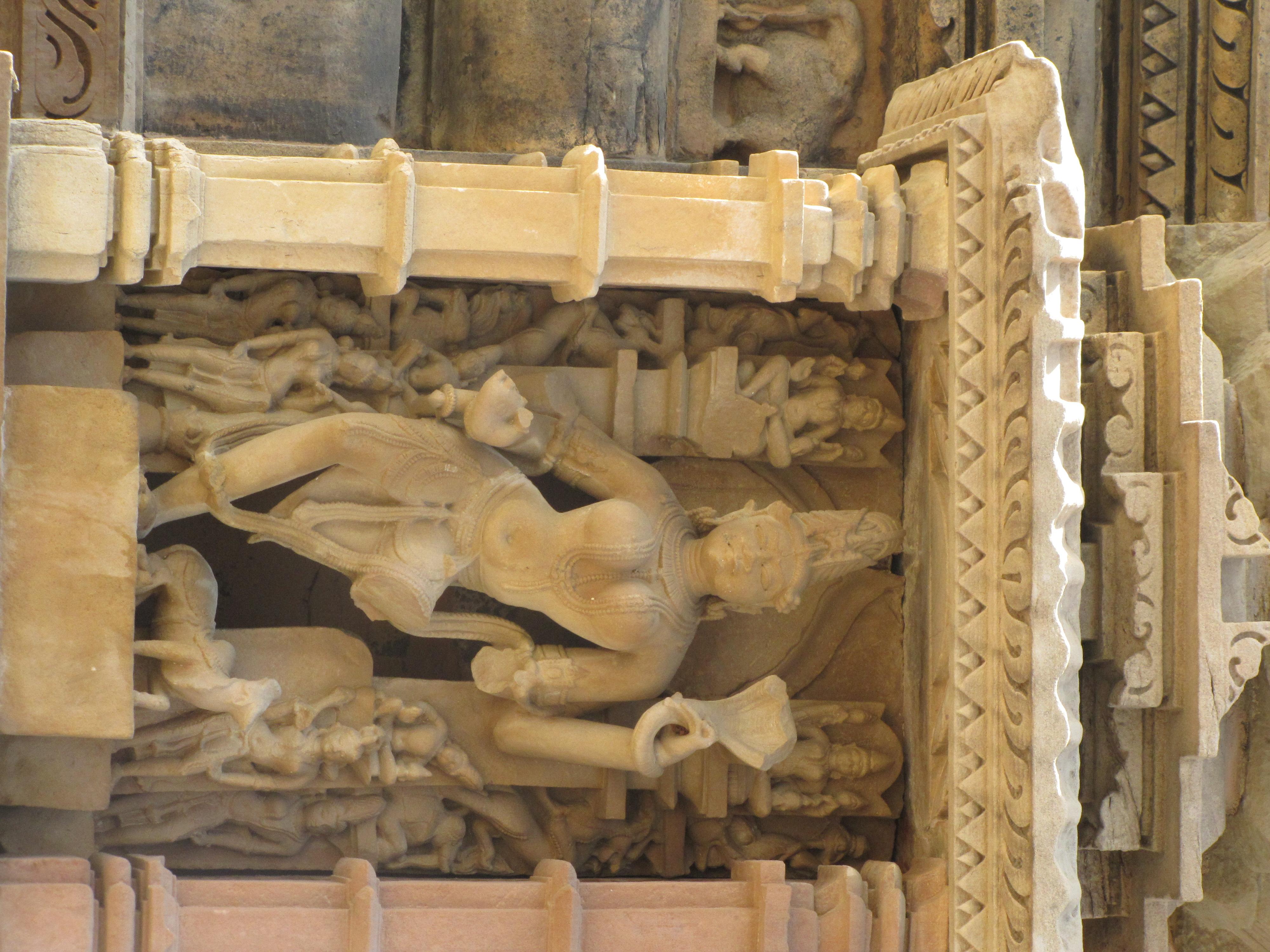 File khajuraho india kandariya mahadev temple sculpture