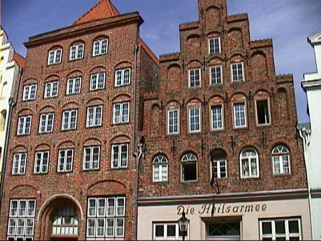 File:Lübeck Häuser.jpg