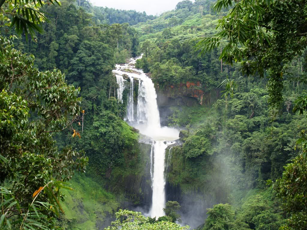 Limunsudan Falls.jpg
