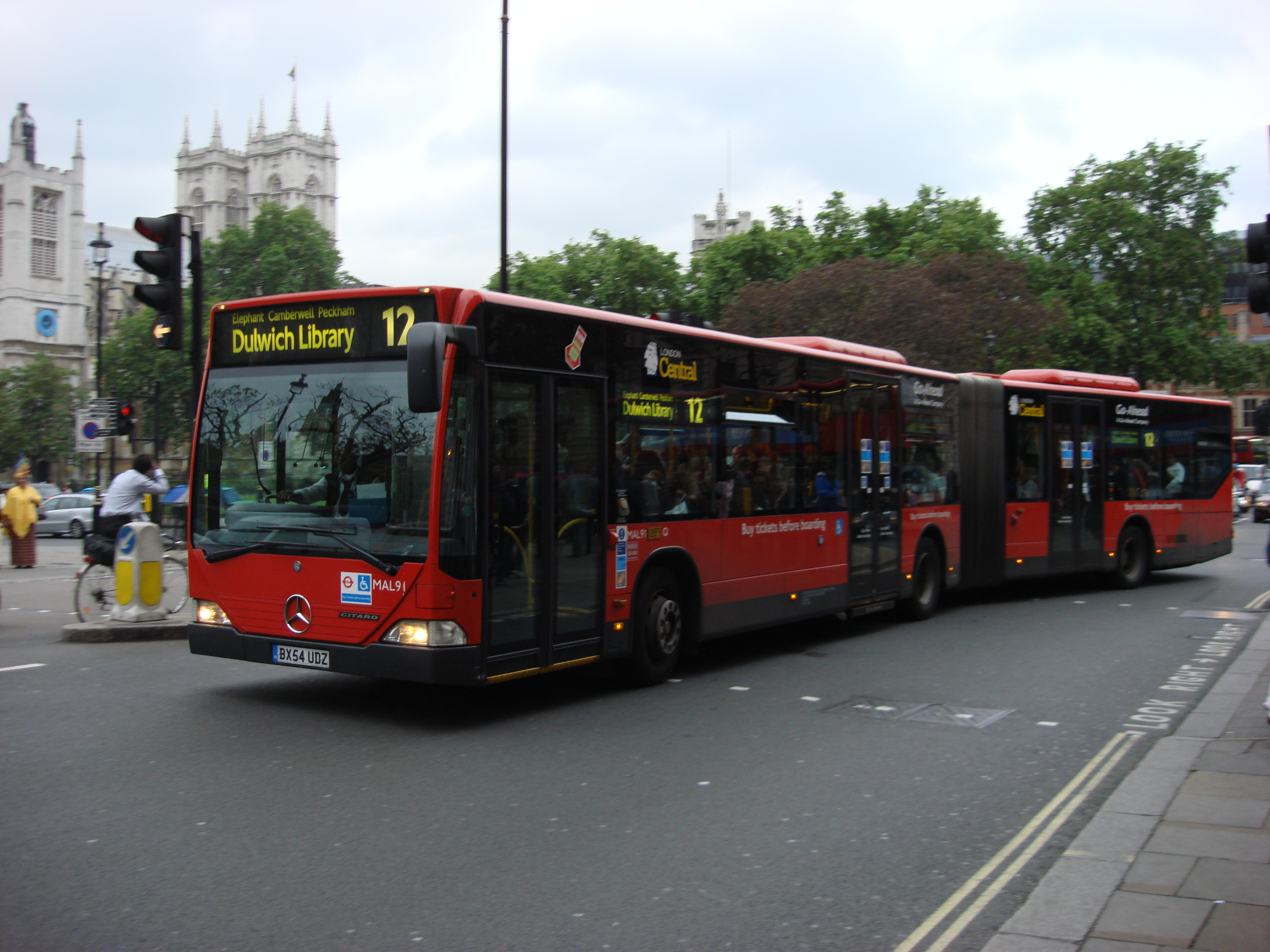 file:london bus route 12 - wikimedia commons