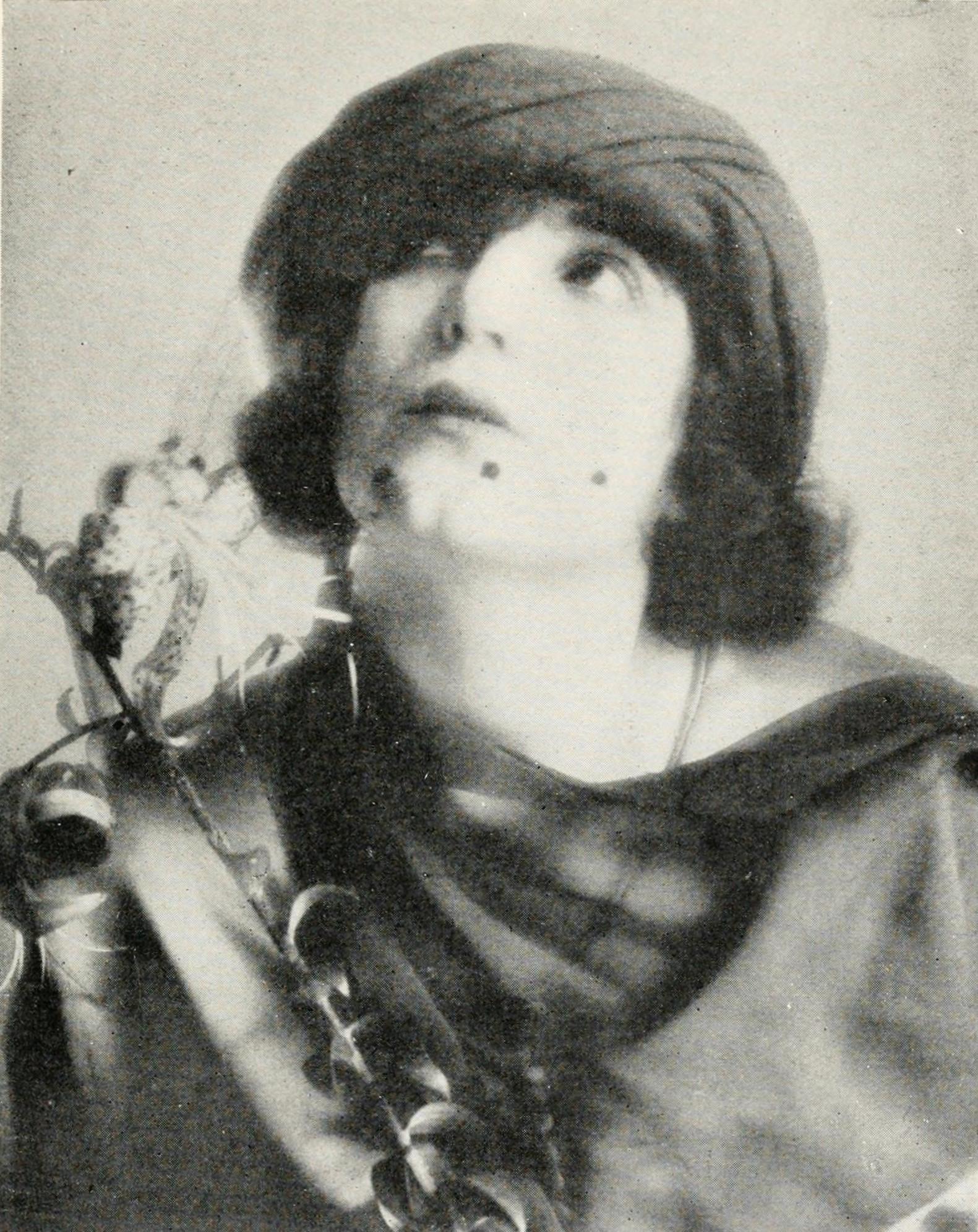 Manasvi Mamgai,Lyrian (b. 1985) Adult pictures Camelia Somers,Helen Twelvetrees