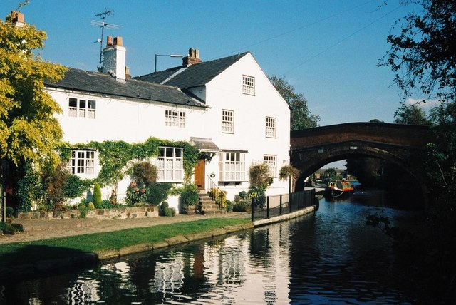 Lymm, Bridgewater Canal - geograph.org.uk - 493415