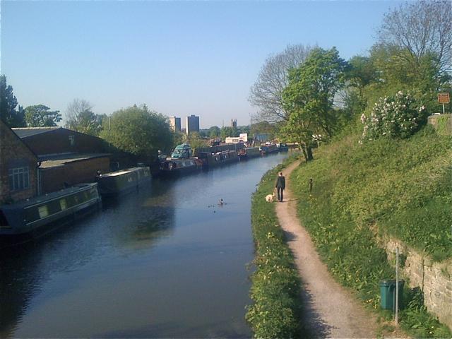 Macclesfield Canal, Macclesfield, 1 - geograph.org.uk - 2384321