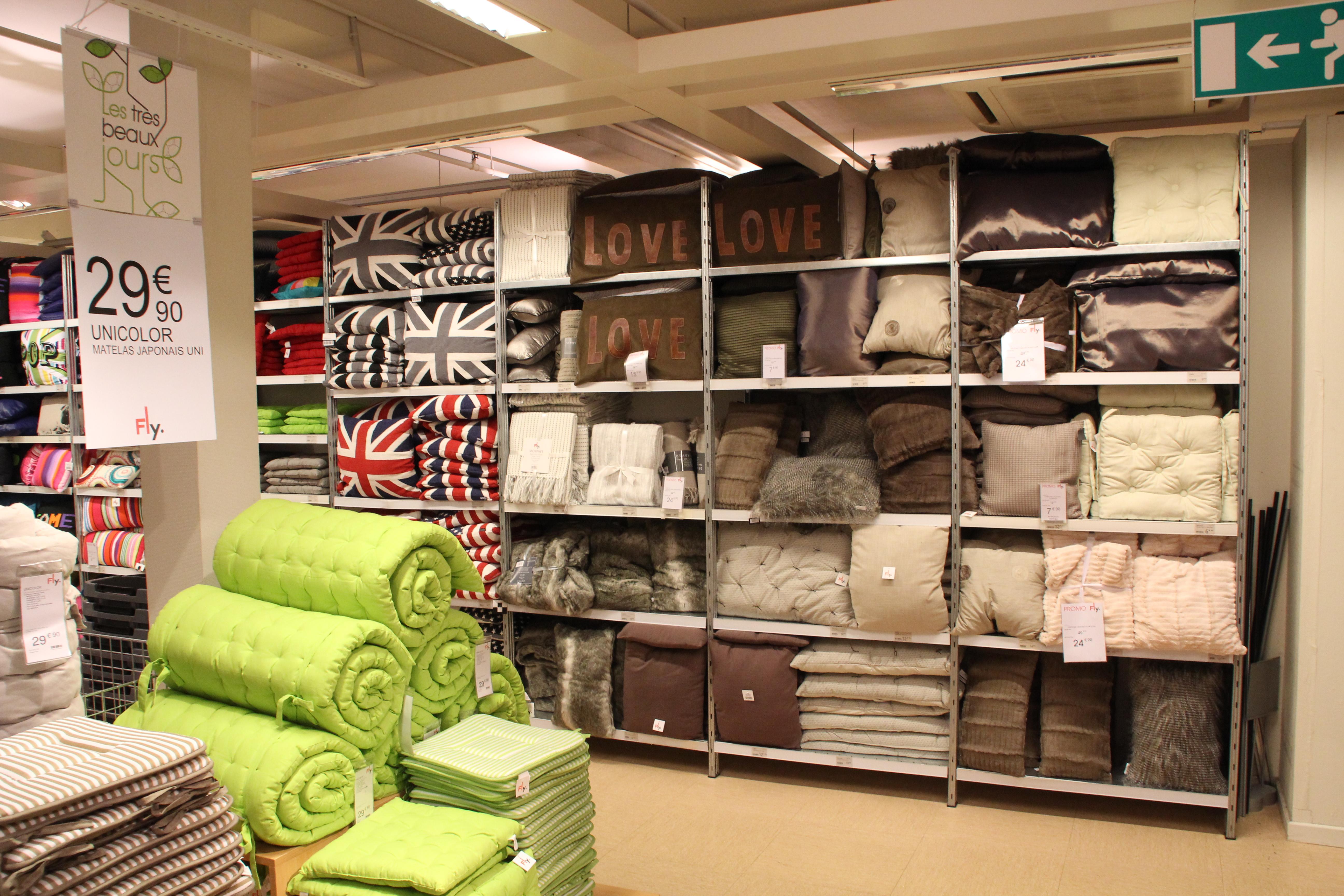 magasins fly a colmac sammlung von design. Black Bedroom Furniture Sets. Home Design Ideas