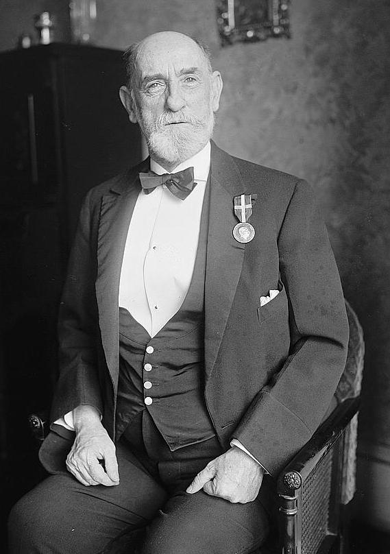 Egan in 1923, wearing the [[Medal of Merit (Denmark)]]