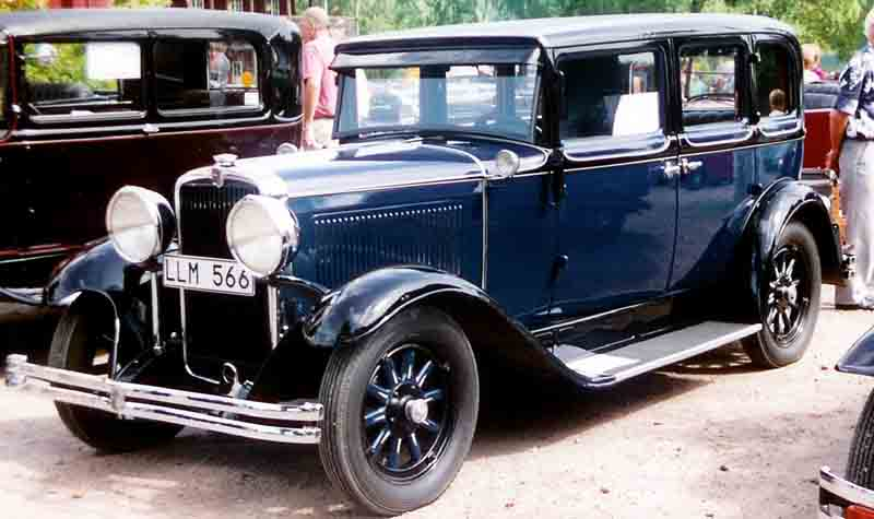 Nash_Single_Six_Series_450_4-Door_Sedan_1930.jpg