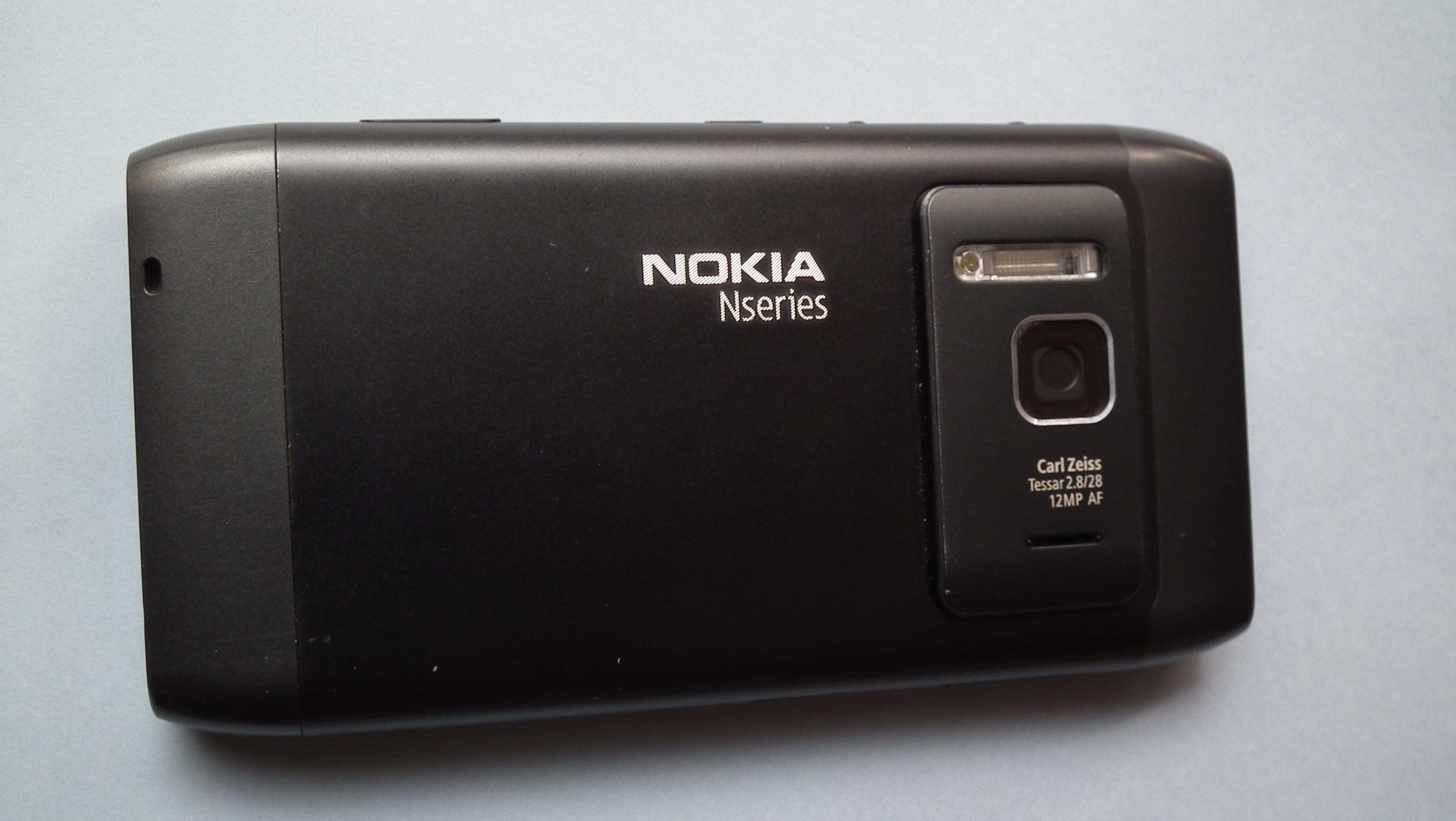File:Nokia N8 Mobile 7620.JPG - Wikimedia Commons
