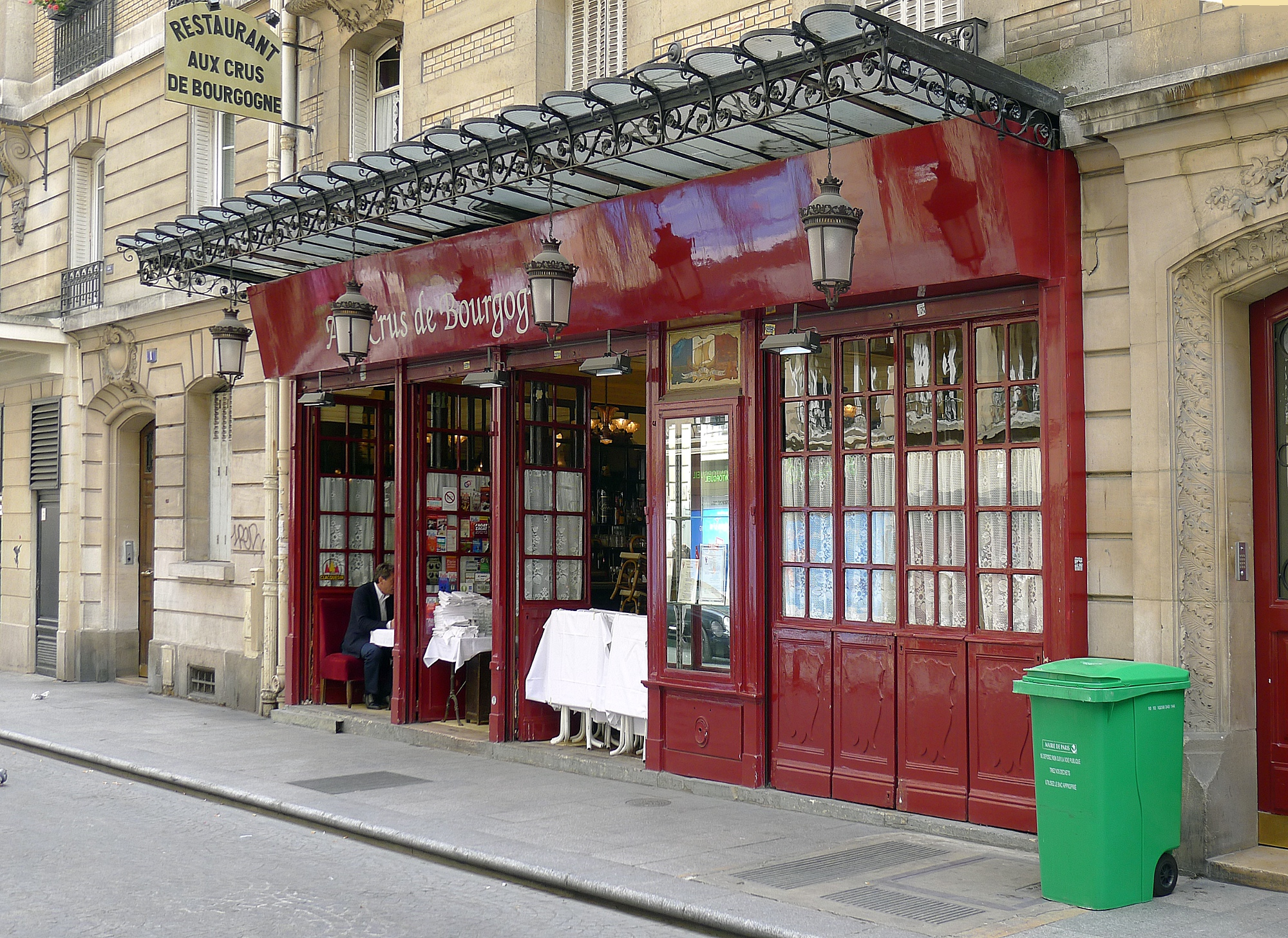 file p1100929 paris ii rue bachaumont vieux restaurant rwk. Black Bedroom Furniture Sets. Home Design Ideas