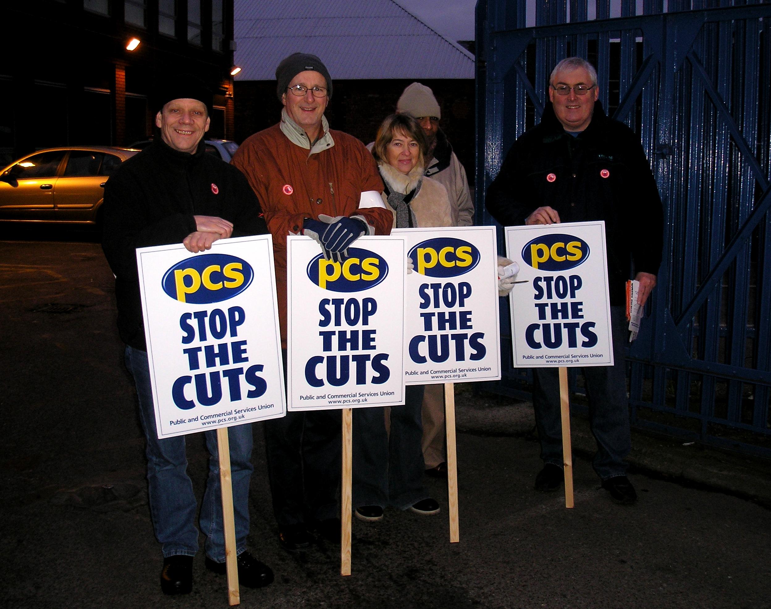 PCS members on strike in 2006.