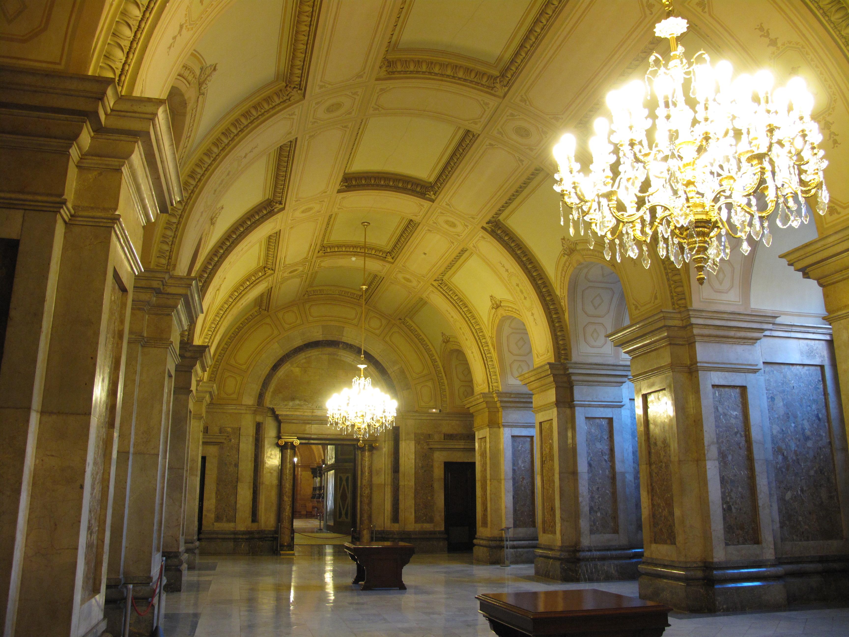 Parlament | Passadissos dels Passos Perduts Parlament_de_Catalunya,_Sal%C3%B3_Gris
