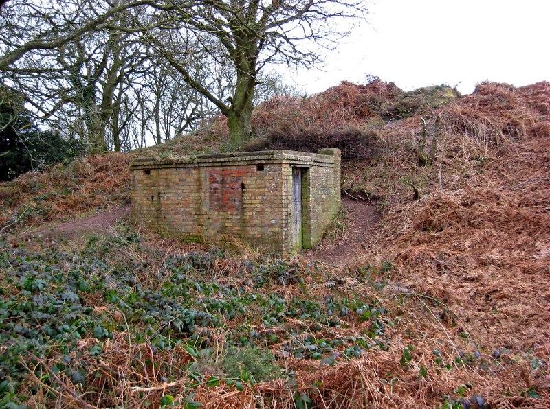 Pillbox on Kinver Edge - geograph.org.uk - 1702064