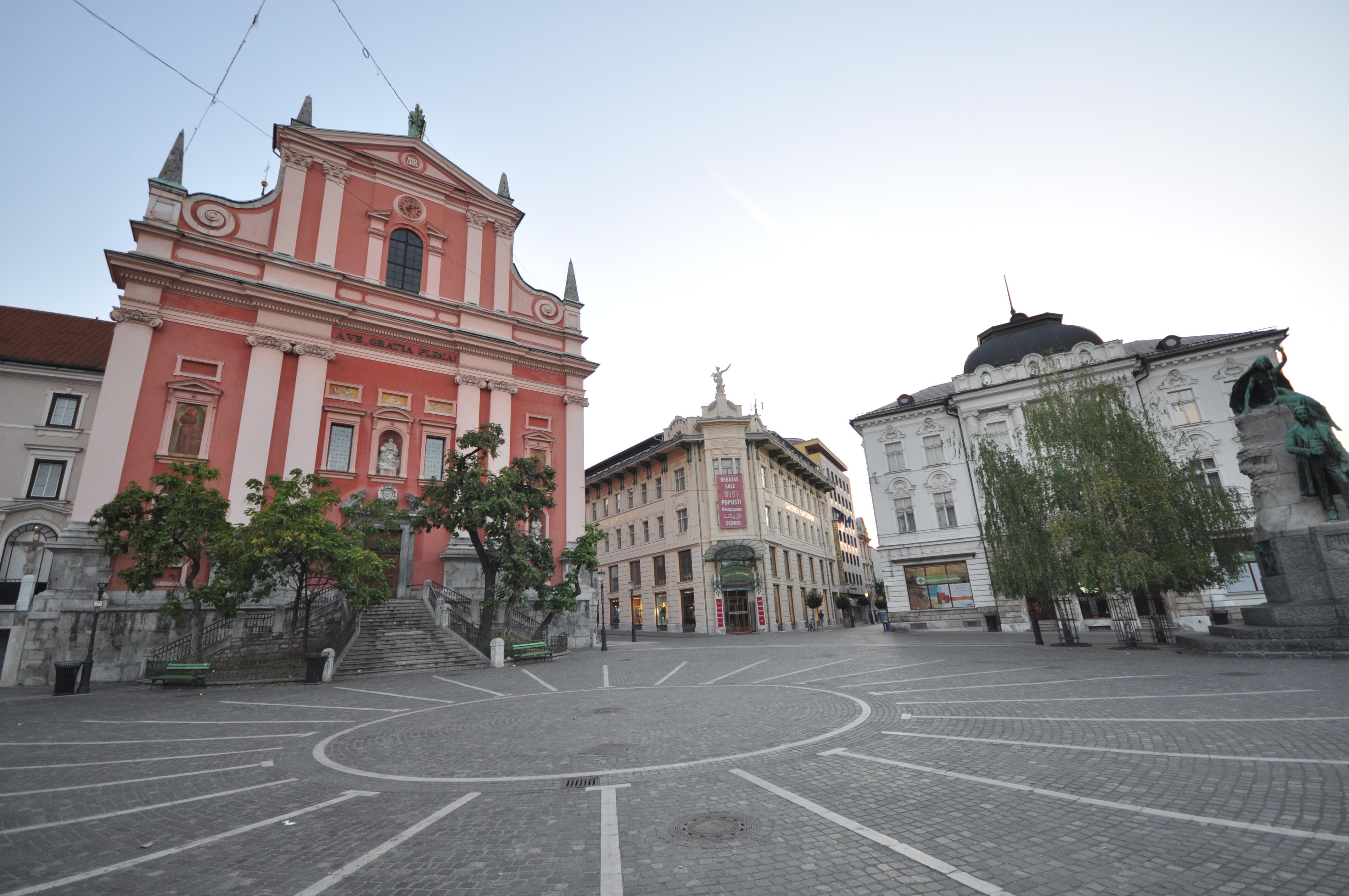 Prešeren Square (11992105615).jpg