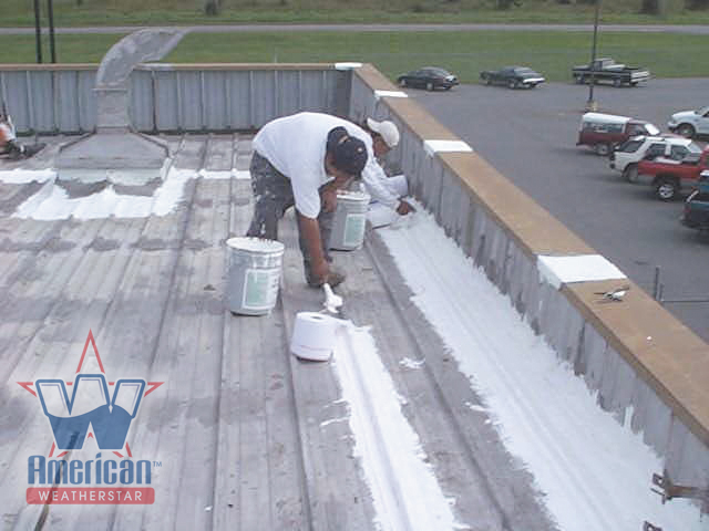 File:Prepping A Metal Roof To Take A Commercial Roof Coating