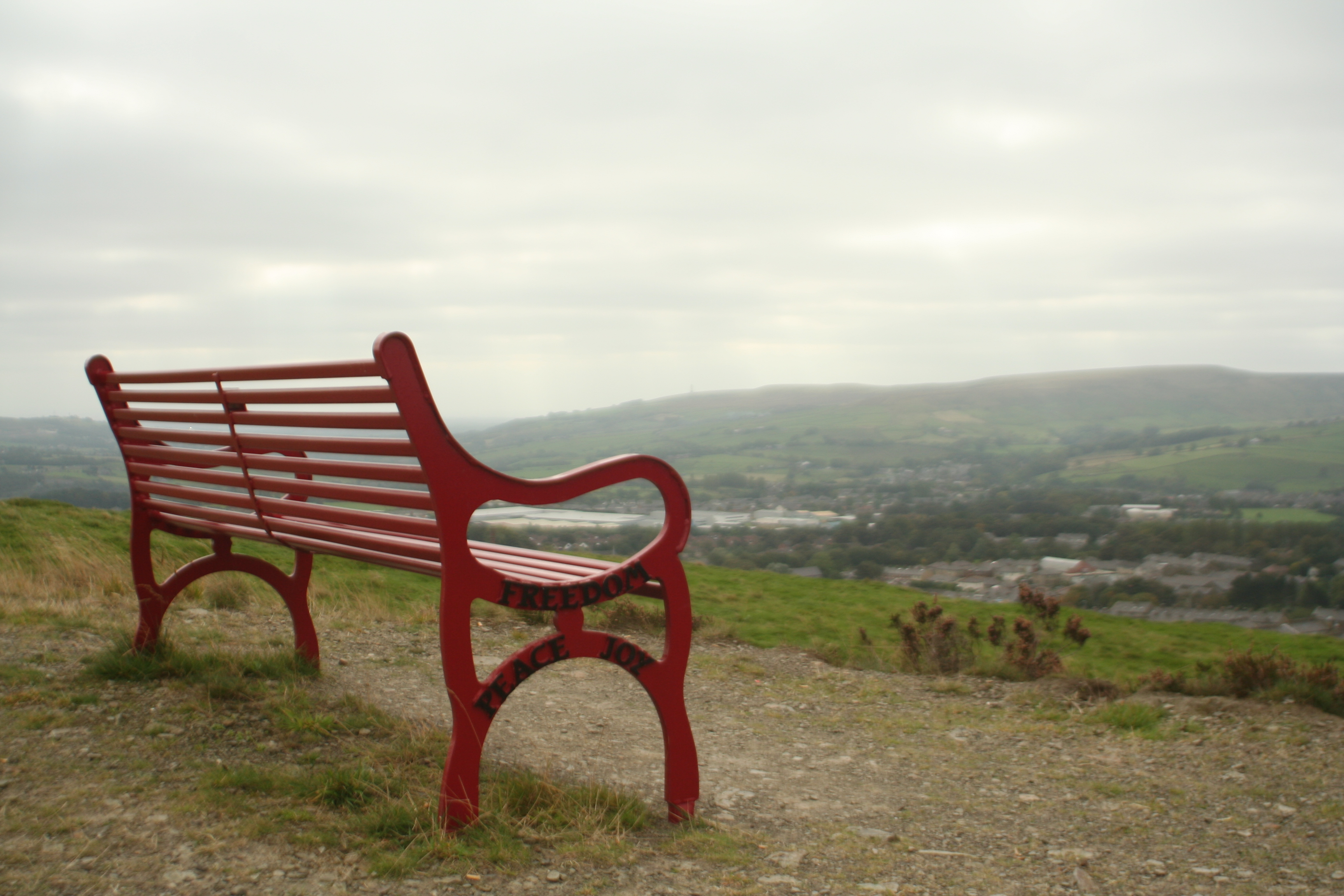 File Red Bench Jpg Wikimedia Commons