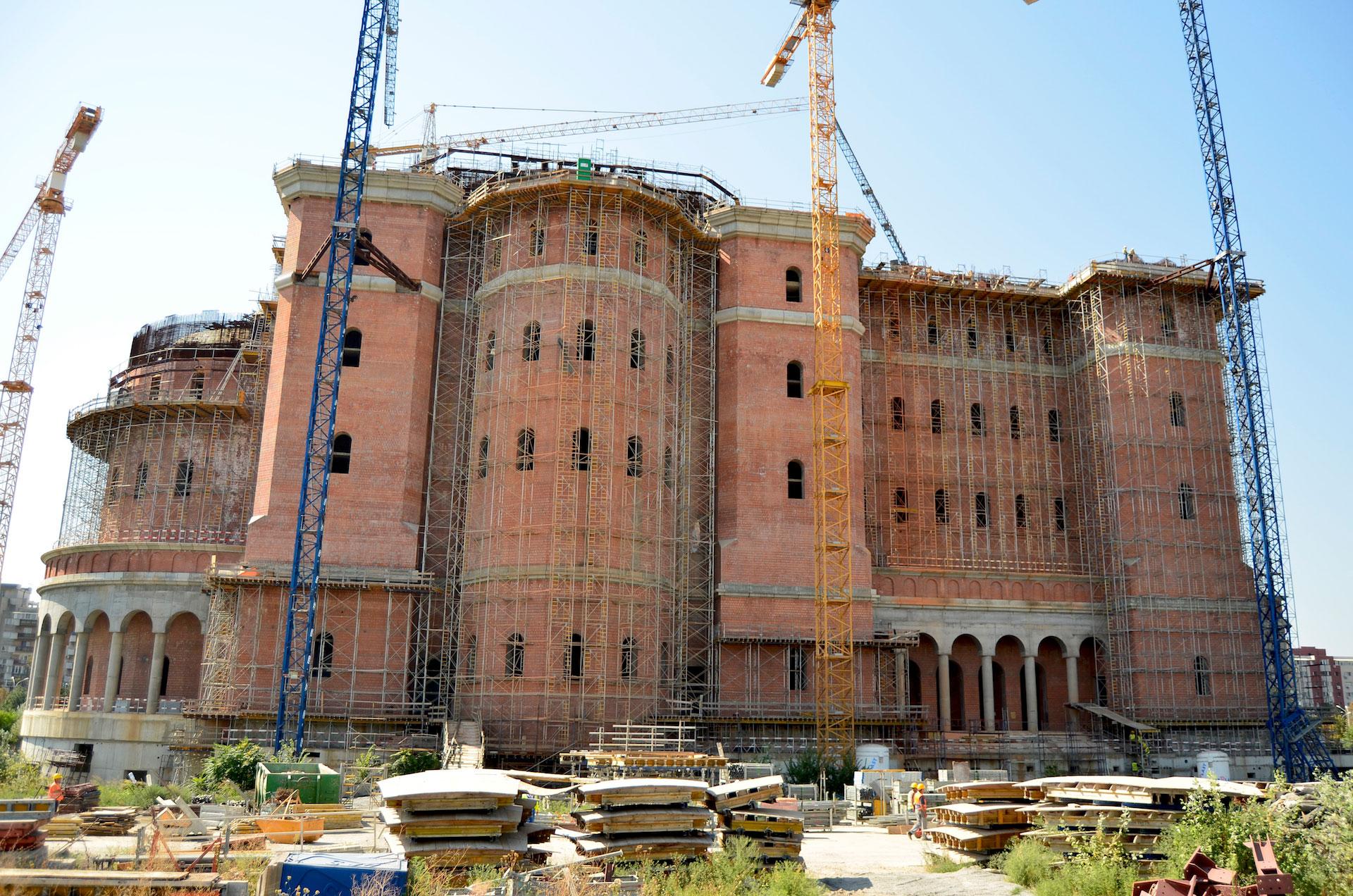 Αποτέλεσμα εικόνας για the biggest orthodox church in Romania