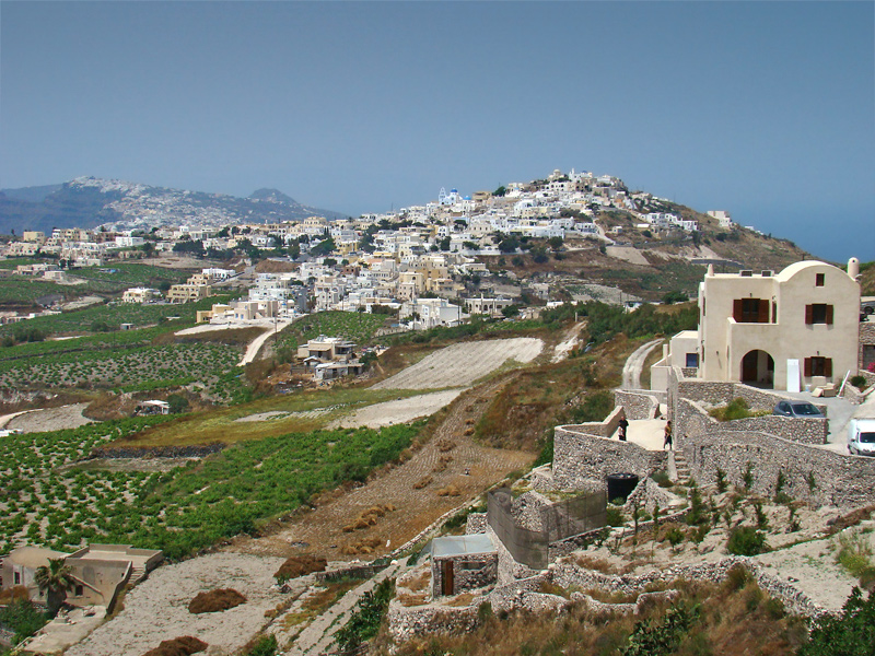 File:Santorini Pyrgos tango7174.jpg