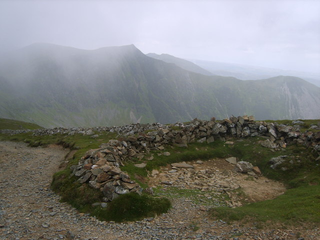 Shelter, Grisedale Pike - geograph.org.uk - 1379856