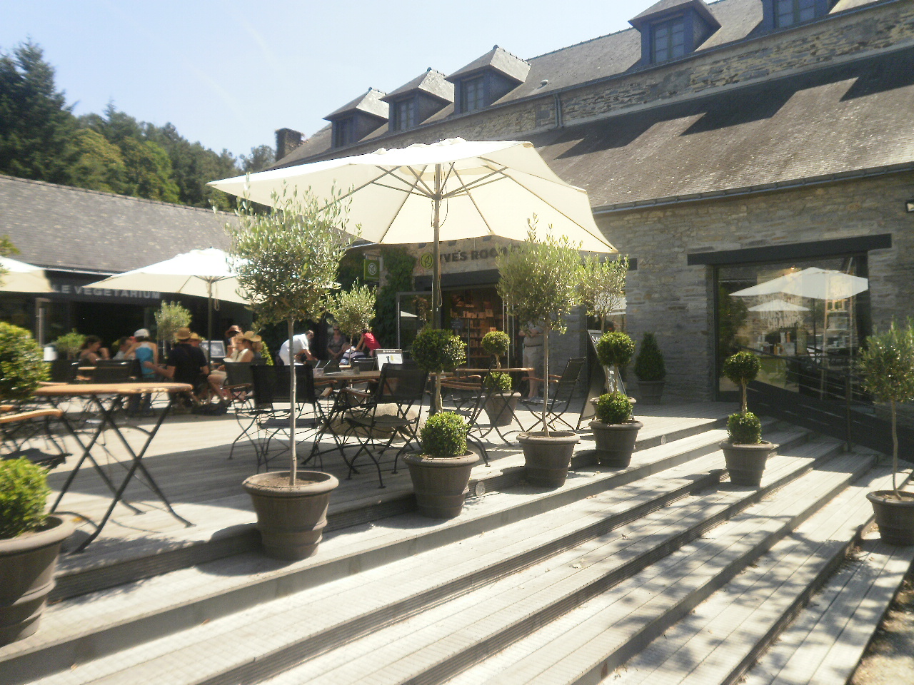 Cafe La Terrasse  Rue Elie Wiesel