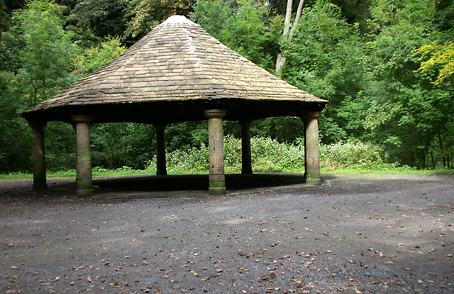 The Greenway shelter in Sunnyhurst Wood - geograph.org.uk - 553507